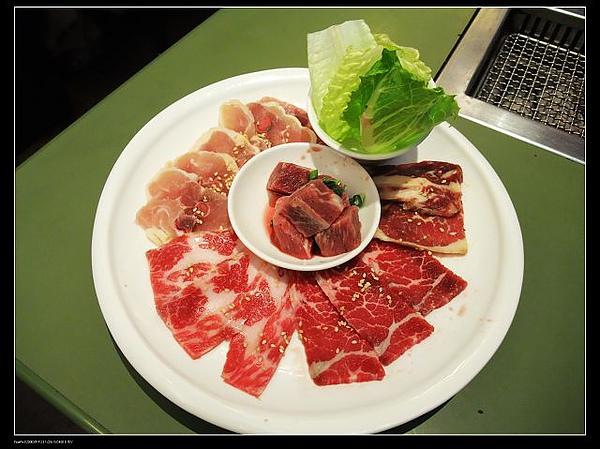 哈燒牛肉拼盤(帶骨牛小排.優質上背肉.骰子牛肉.優質雞腿).jpg
