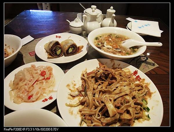 又是一桌的菜NT$285
