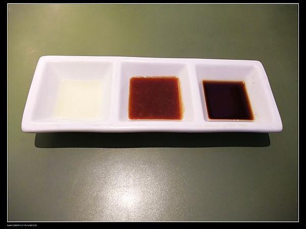 由左至右醬料-檸檬.味噌.水果.jpg