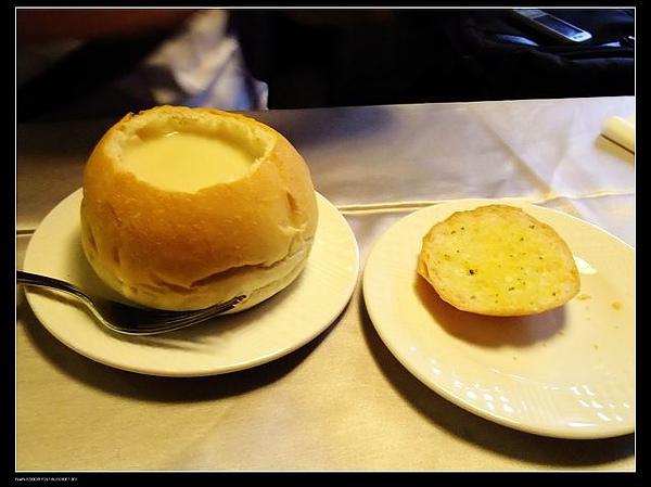 法式麵包玉米濃湯.jpg