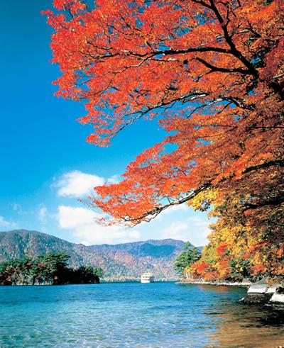 IMG002十和田湖.JPG