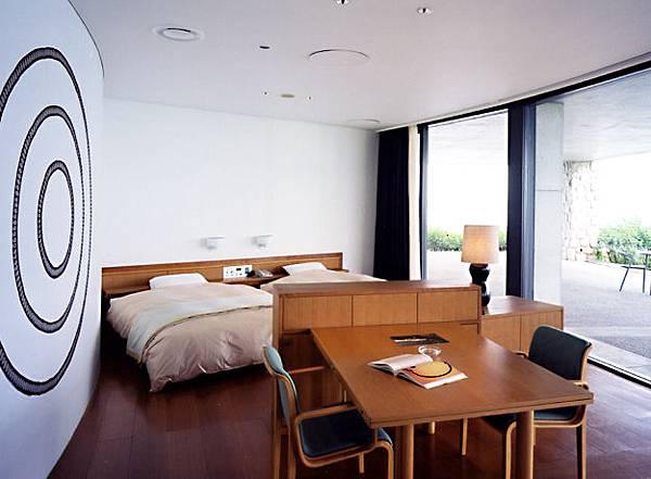 20Benesse House貝樂斯之屋_oval-room.jpg