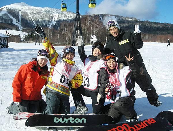 耶.我們最愛滑雪.JPG