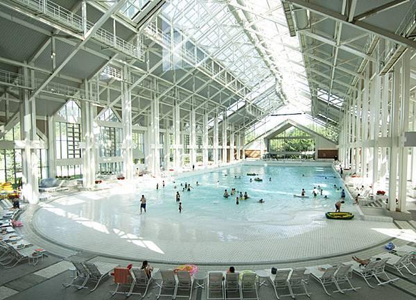 VIZ Spa游泳.jpg