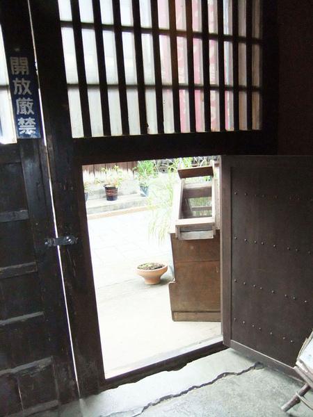 酒造的門.jpg