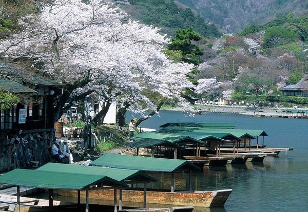 嵐山渡月橋1.JPG