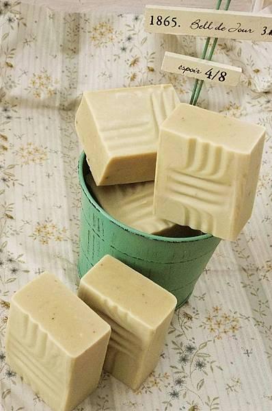 2012 ~ 酪梨深層潔膚皂