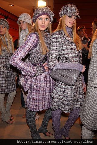 Chanel-Reissue-227-Flap-Bag-Size3