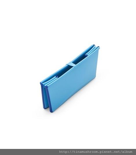 Stokke Flexi Bath 160628-3131 Folded Blue.SP_36232.jpg