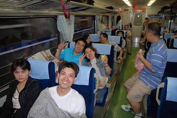 10火車上.JPG