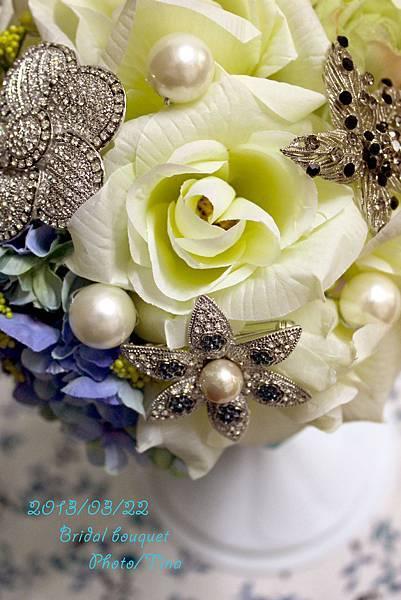 brooch bouquet1