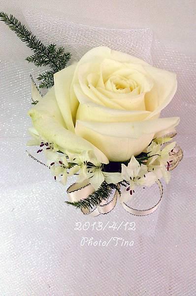 單朵胸花2