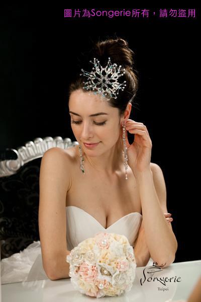 雪花頭飾、耳環、捧花