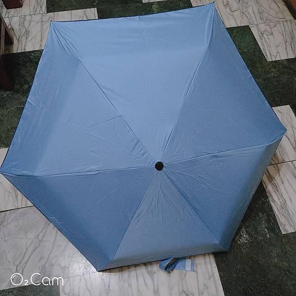 好傘王 安全自動傘系 不費力黑膠輕大傘展開.jpg