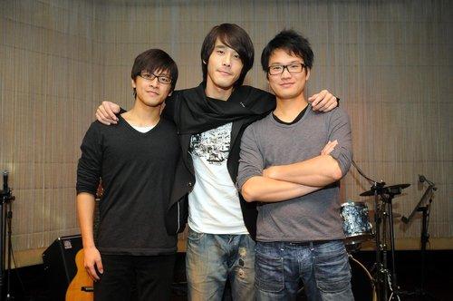 090215-29跳浪樂團.jpg