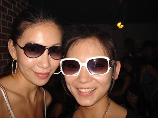 連IVY都得戴上太陽眼鏡呢!!