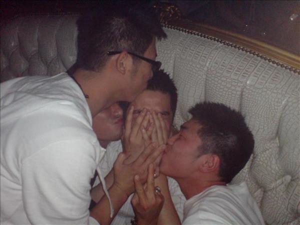 給我一個吻~可以不可以?