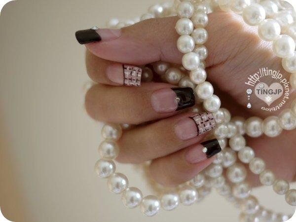 其實原本是想要黏珍珠的