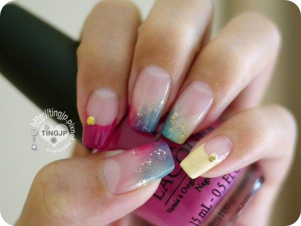 金色圓鉚釘跟金粉裝飾呼應