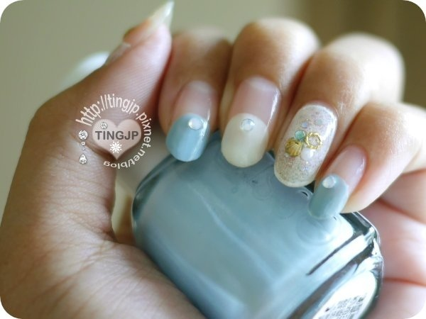 ESSIE灰粉藍