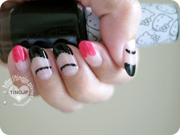 左手都是黑色花瓣