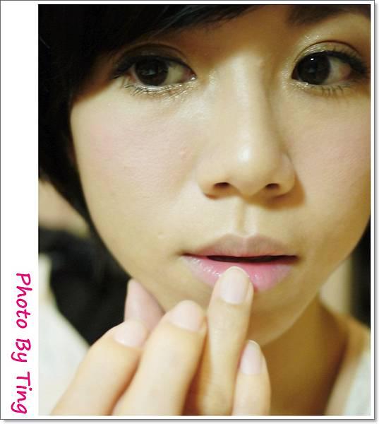 唇3-用手上色