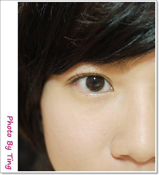 眼妝3-夾睫毛