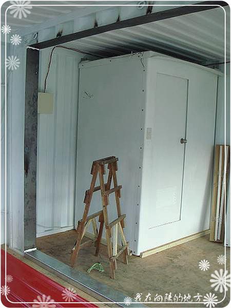 從內部焊接二個貨櫃_3.jpg