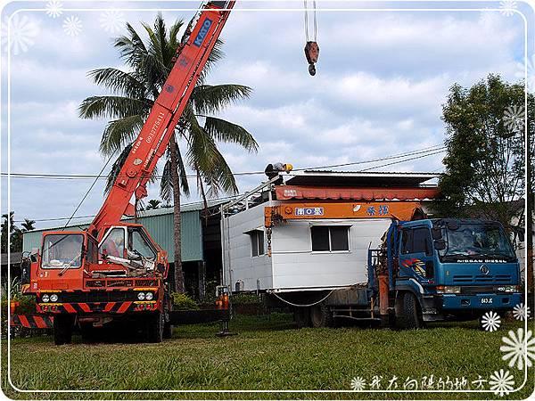 5_請另一輛吊卡車運送貨櫃