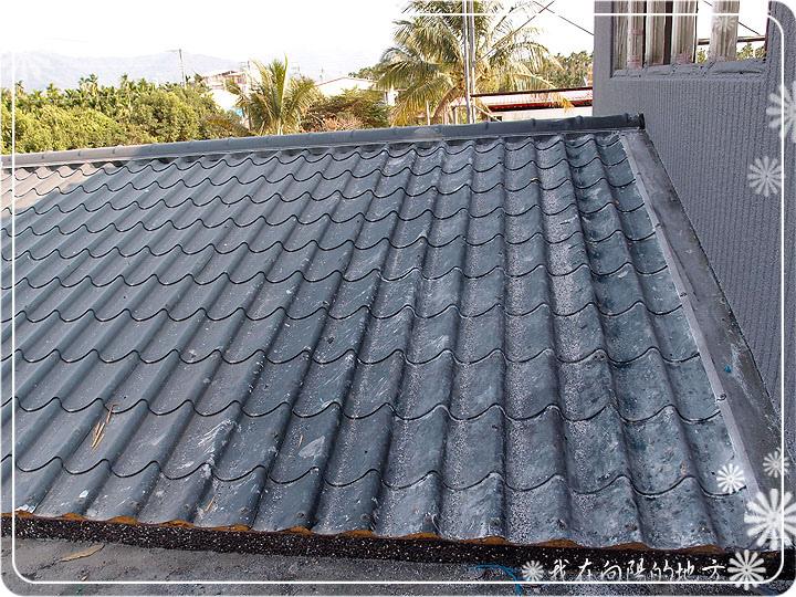 填縫劑汙染了屋頂_1.jpg
