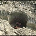 1.我和工人徒手挖地基的成果.jpg