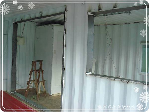 從內部焊接二個貨櫃_2.jpg