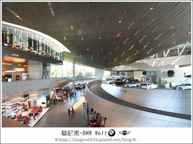 BMW Welt 40.JPG