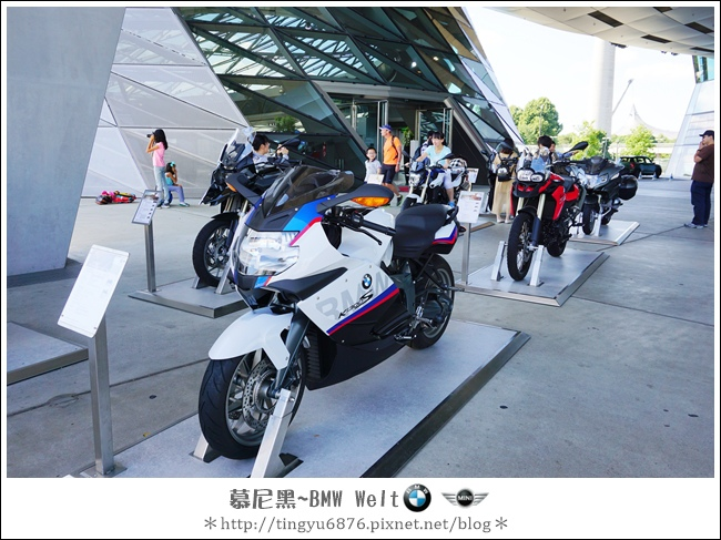 BMW Welt 108.JPG