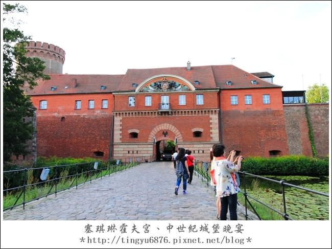 中世紀城堡晚宴01.JPG