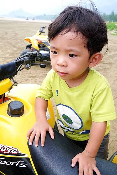 阿利+沙灘車9.JPG