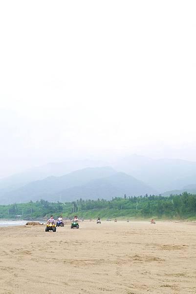 阿利+沙灘車21.JPG