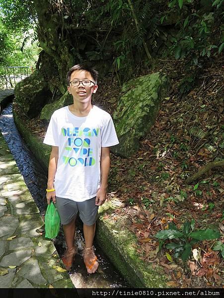 猴洞瀑布8.JPG