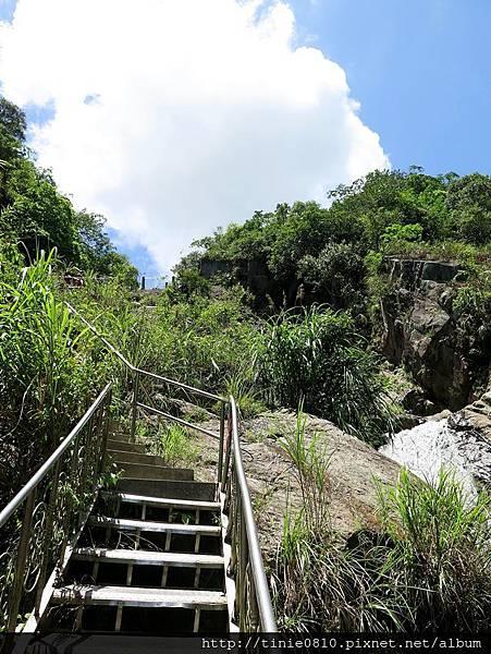 猴洞瀑布11.JPG