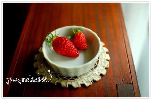 最後的草莓季嚕,謝謝w送我很多光粒子的無農藥草莓!