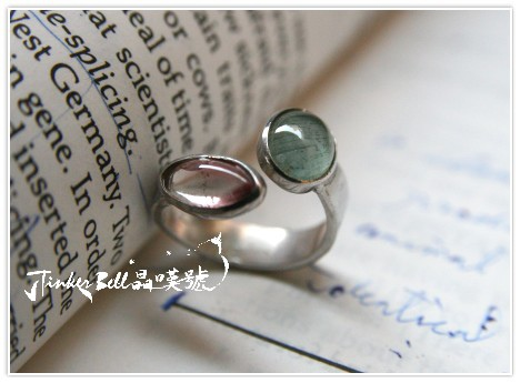 雙色粉綠碧璽戒指戒靈,打開隔閡感,與外在世界連結。