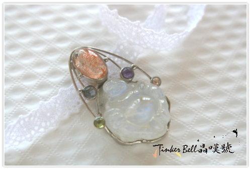 藍暈月光石彌勒佛+草莓晶+紫晶,正能量壟罩七脈輪,提升防護罩讓內在神性備感安心。