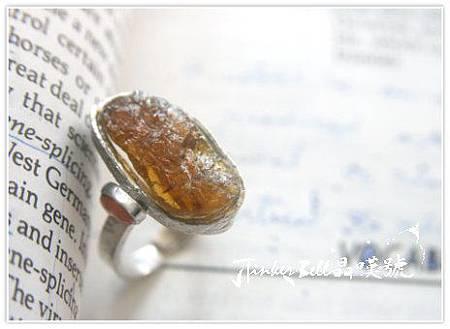 橘黃碧璽原礦+太陽石魔法戒指,能量特性在於沉穩寧靜,啟動後穿透力源源不絕,加強太陽輪能量。.jpg
