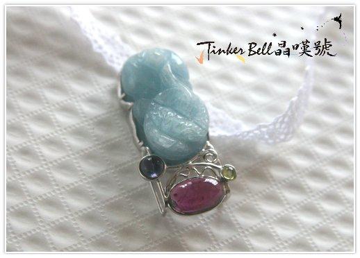 海水藍寶貔貅+貴石榴石+橄欖石+堇青石,重視自我價值內在的豐富與喜樂,創造財務自由和心靈富足的雙豐收。
