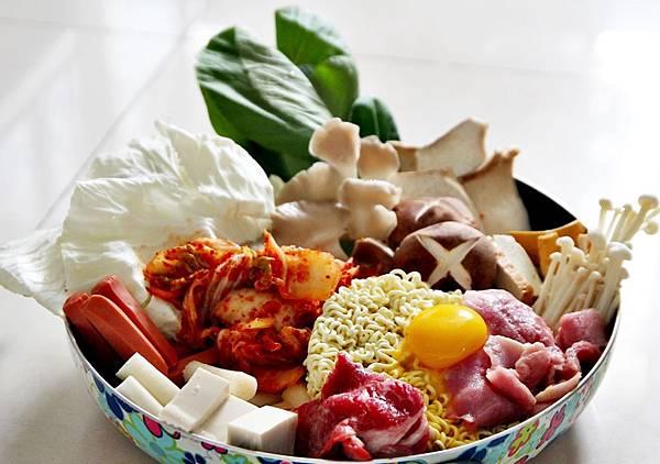 韓國料理,泡菜部隊鍋,部隊鍋,部隊鍋食譜,辛拉麵
