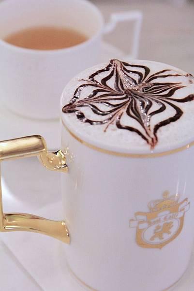 酷咖啡, 台北捷運美食, 板南線美食, 板南線下午茶, 東區下午茶, 微風廣場咖啡館, 漂亮咖啡館,Kool Caff'e