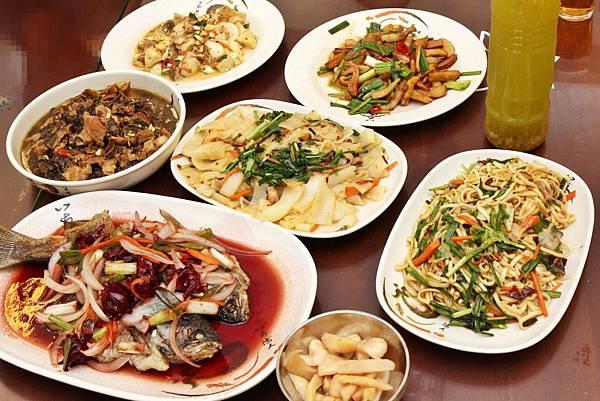 南江休閒農業區、南庄、台灣好行、向天湖、神仙谷、南庄老街、梨子水、鱒魚大餐、客家美食、螢火蟲、南庄民宿、窯烤比薩、