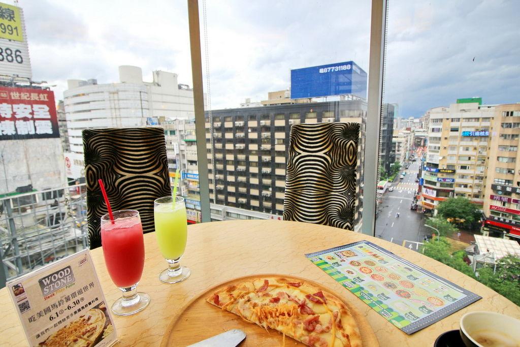 WOODSTONE PIZZA,美薯燻雞培根白披薩,美國馬鈴薯絲,美國冷凍薯片,台北東區比薩吃到飽餐廳,,