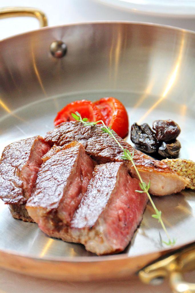 PRIME ONE 牛排館,台北花園大酒店,乾式熟成牛排,喜馬拉雅山岩鹽牆,