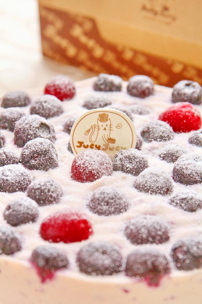 啾西爽爽貓,櫻桃乳酪蛋糕,黑魔法藍莓乳酪蛋糕